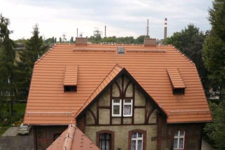 Zdjęcie przedstawiające nowe pokrycie dachowe przy ul. Słowackiego 7 i 15